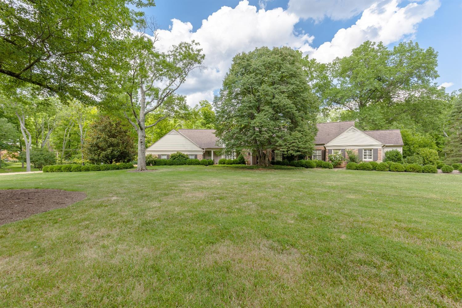 Property for sale at 5820 Mohican Lane, Indian Hill,  Ohio 45243
