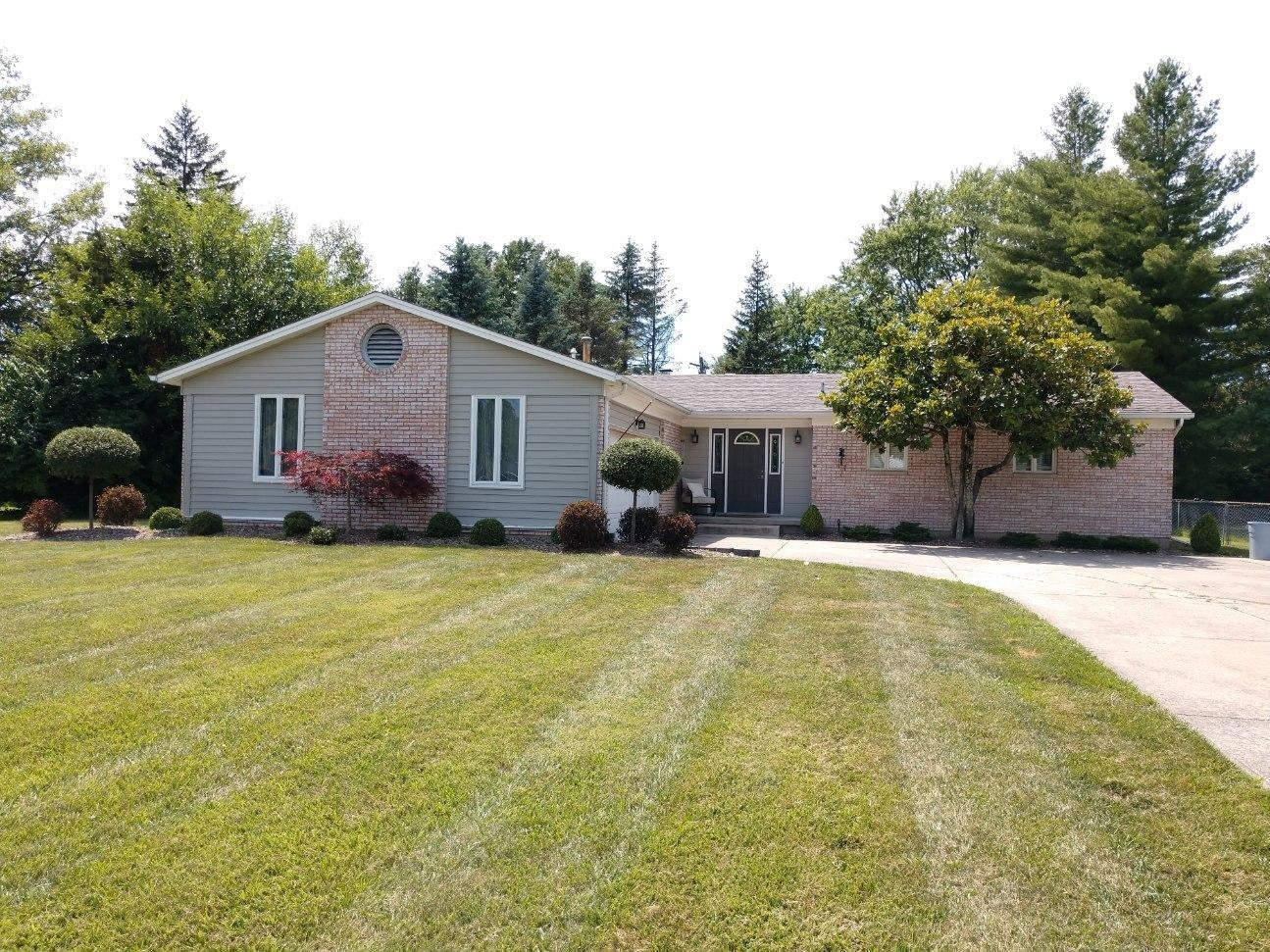 Property for sale at 106 Country Club Drive, Oxford,  Ohio 45056