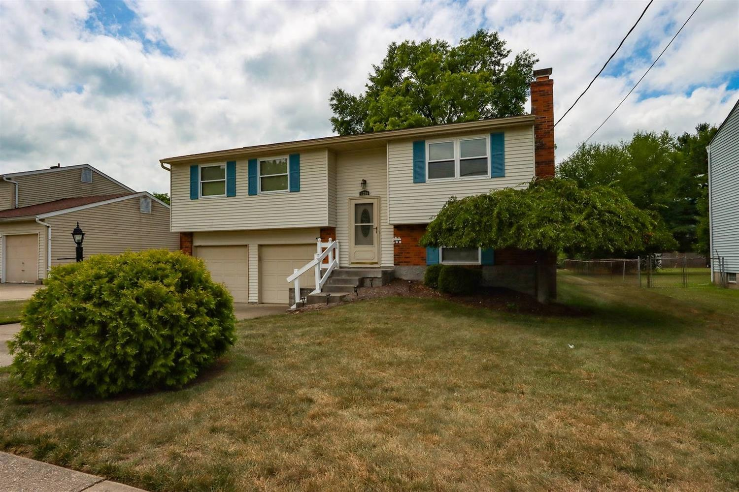 Property for sale at 1386 Stone Drive, Harrison,  Ohio 45030