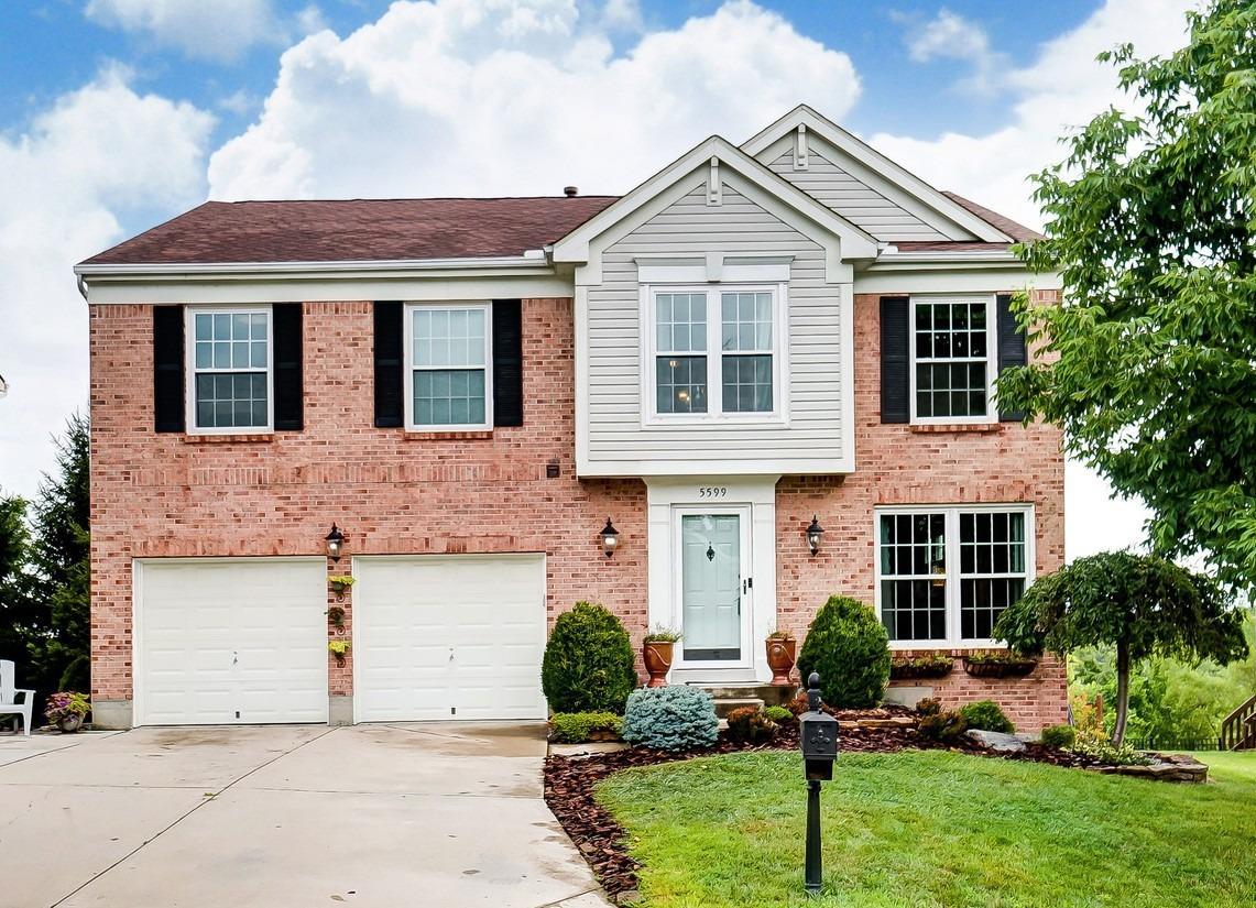 Property for sale at 5599 Sarahs Oak Drive, Green Twp,  Ohio 45248