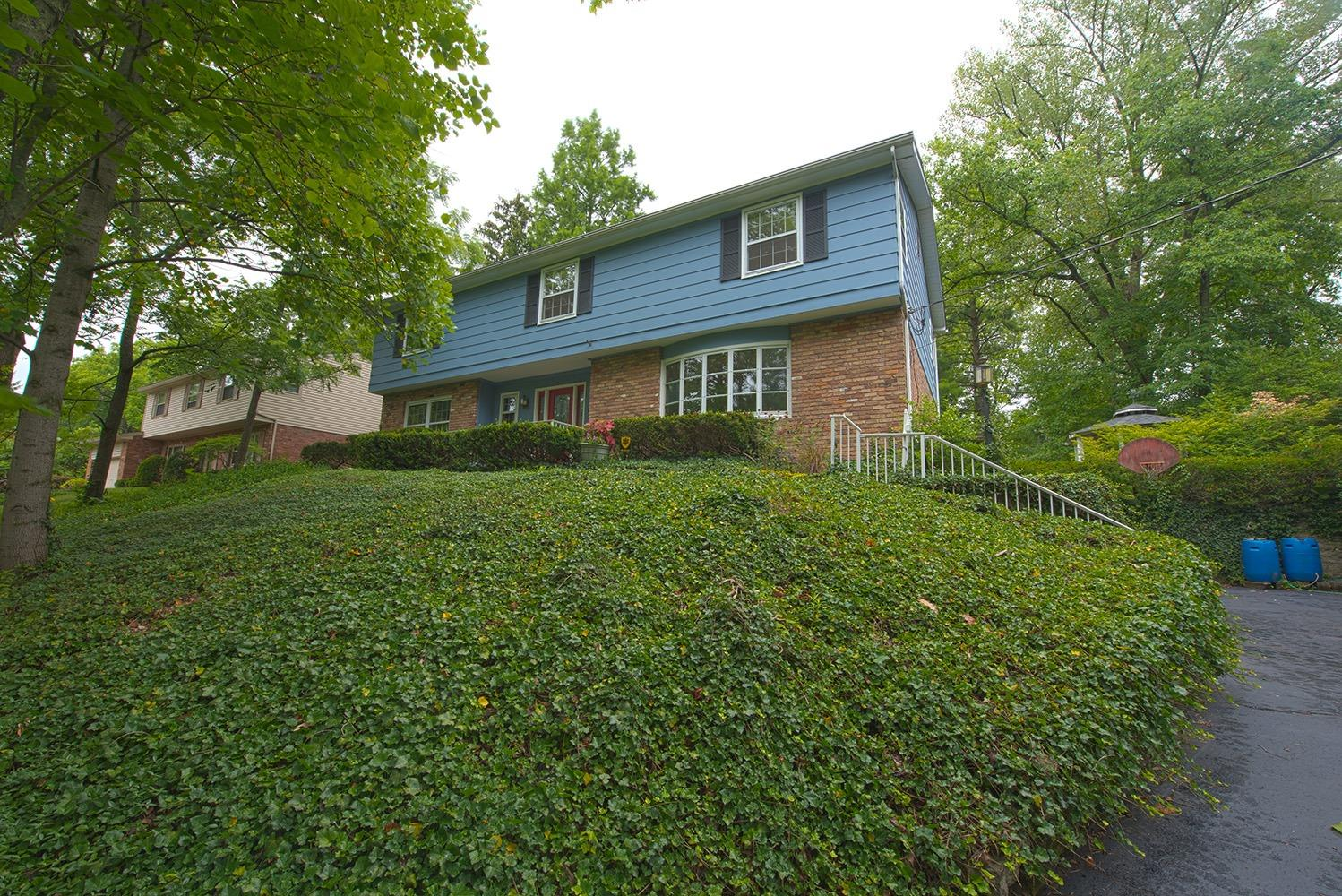 Property for sale at 8746 Hollyhock Drive, Springfield Twp.,  Ohio 45231
