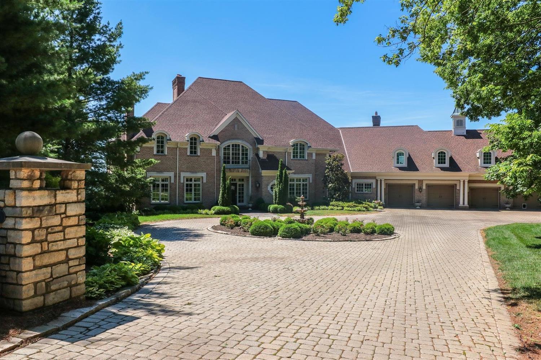Property for sale at 322 Bishopsbridge Drive, Anderson Twp,  Ohio 45255