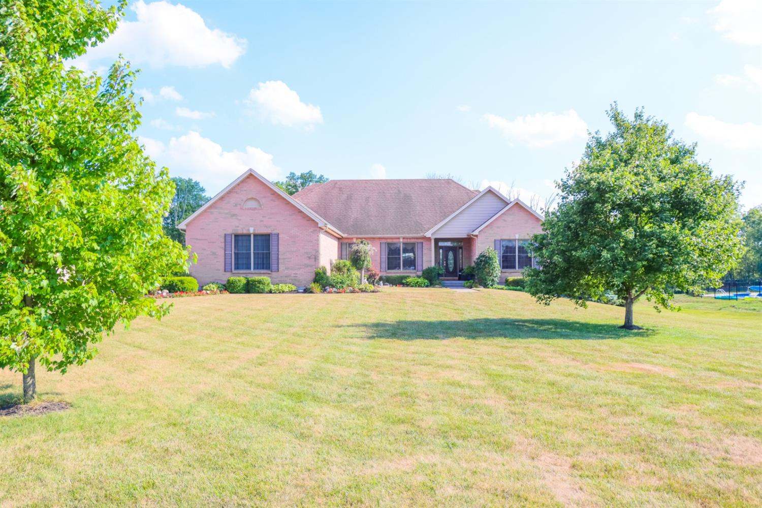 Property for sale at 1581 Vicki Lane, Clearcreek Twp.,  Ohio 45036