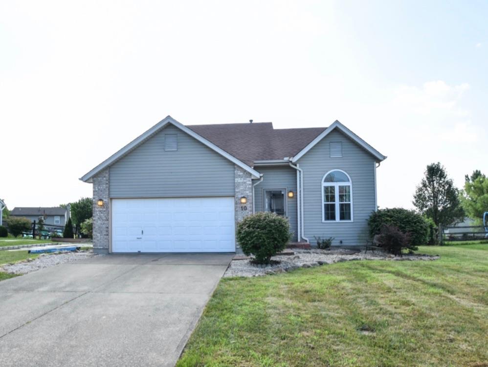 Property for sale at 10 Flamingo Court, Amelia,  Ohio 45102