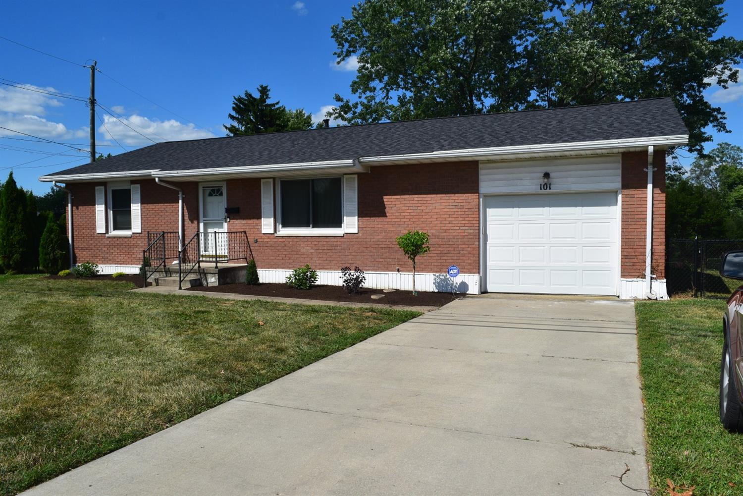 Property for sale at 101 Melanee Lane, Oxford,  Ohio 45056