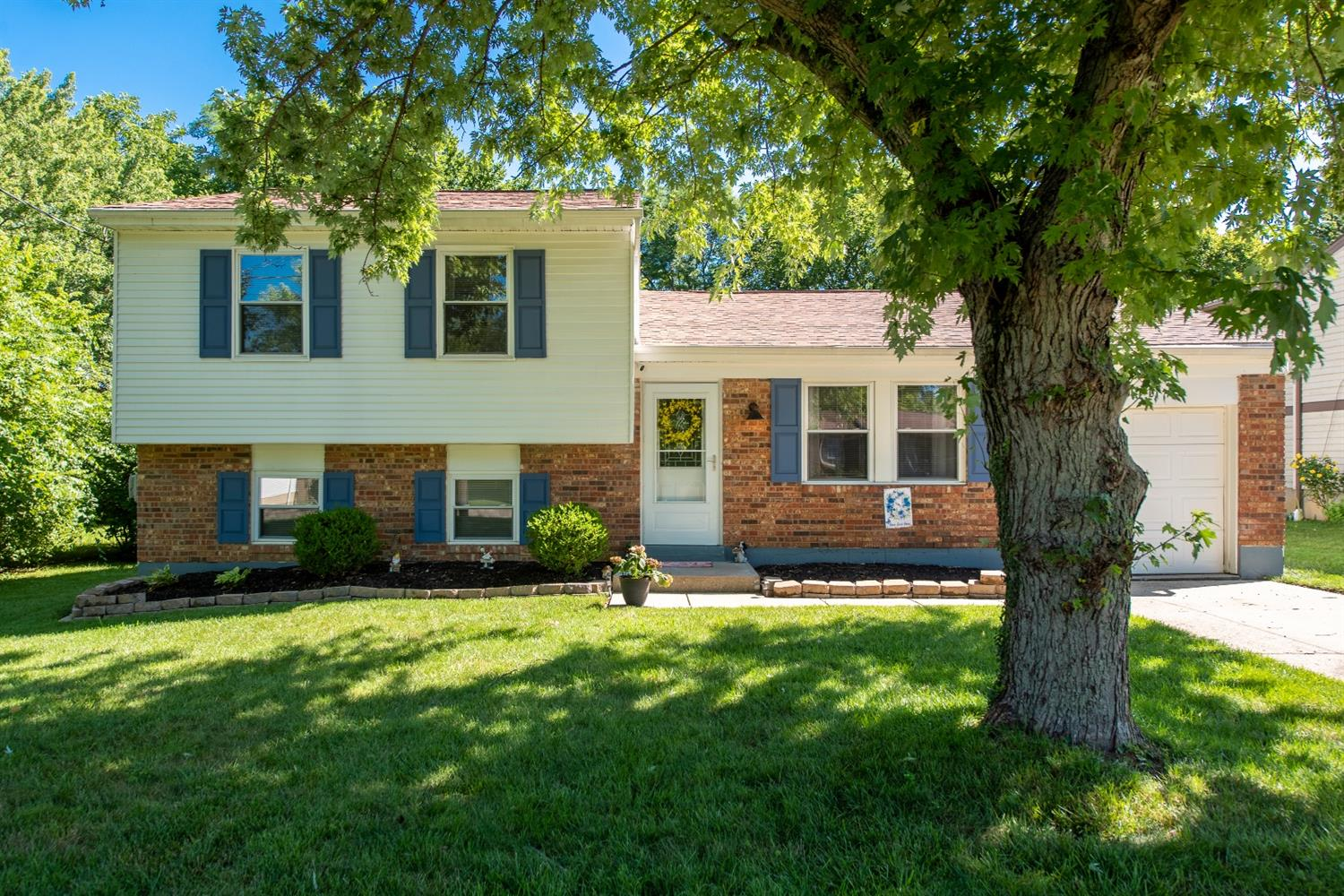 Property for sale at 1504 Forester Drive, Springfield Twp.,  Ohio 45240