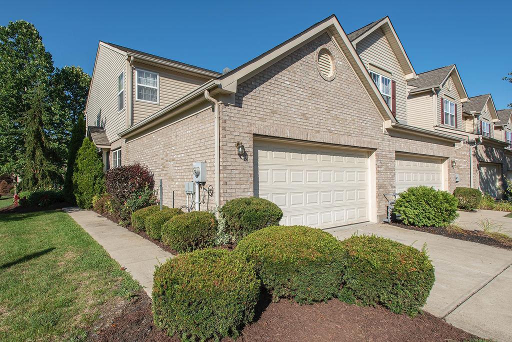 Photo of 3813 Thorngate Drive, Mason, OH 45040