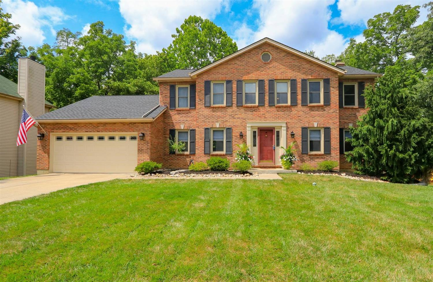 Property for sale at 9 Lakefield Drive, Milford,  Ohio 45150