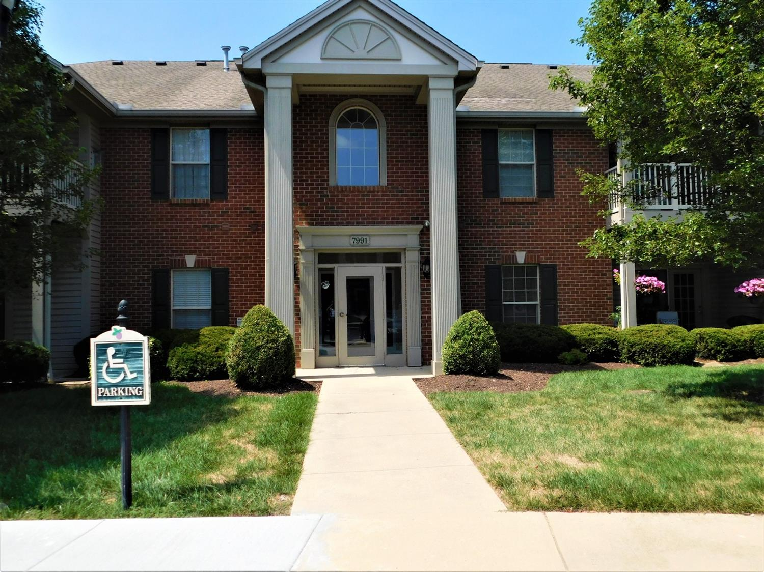 Property for sale at 7991 Pinnacle Point Drive Unit: 102, West Chester,  Ohio 45069