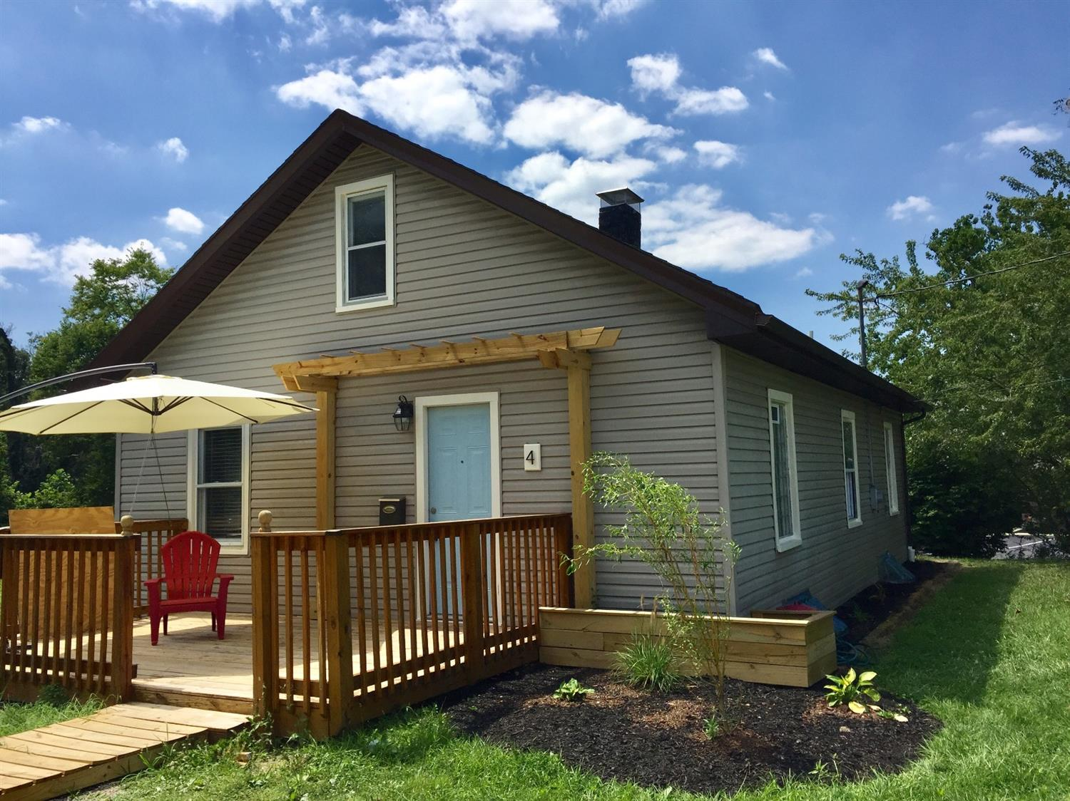 Property for sale at 4 Crestview Drive, Milford,  Ohio 45150