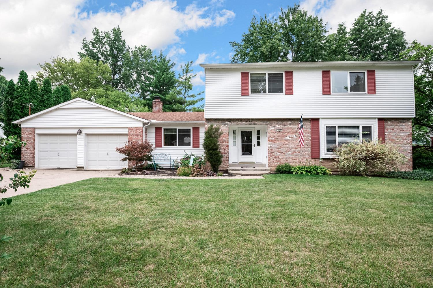 Property for sale at 669 Silverhedge Drive, Springfield Twp.,  Ohio 45231