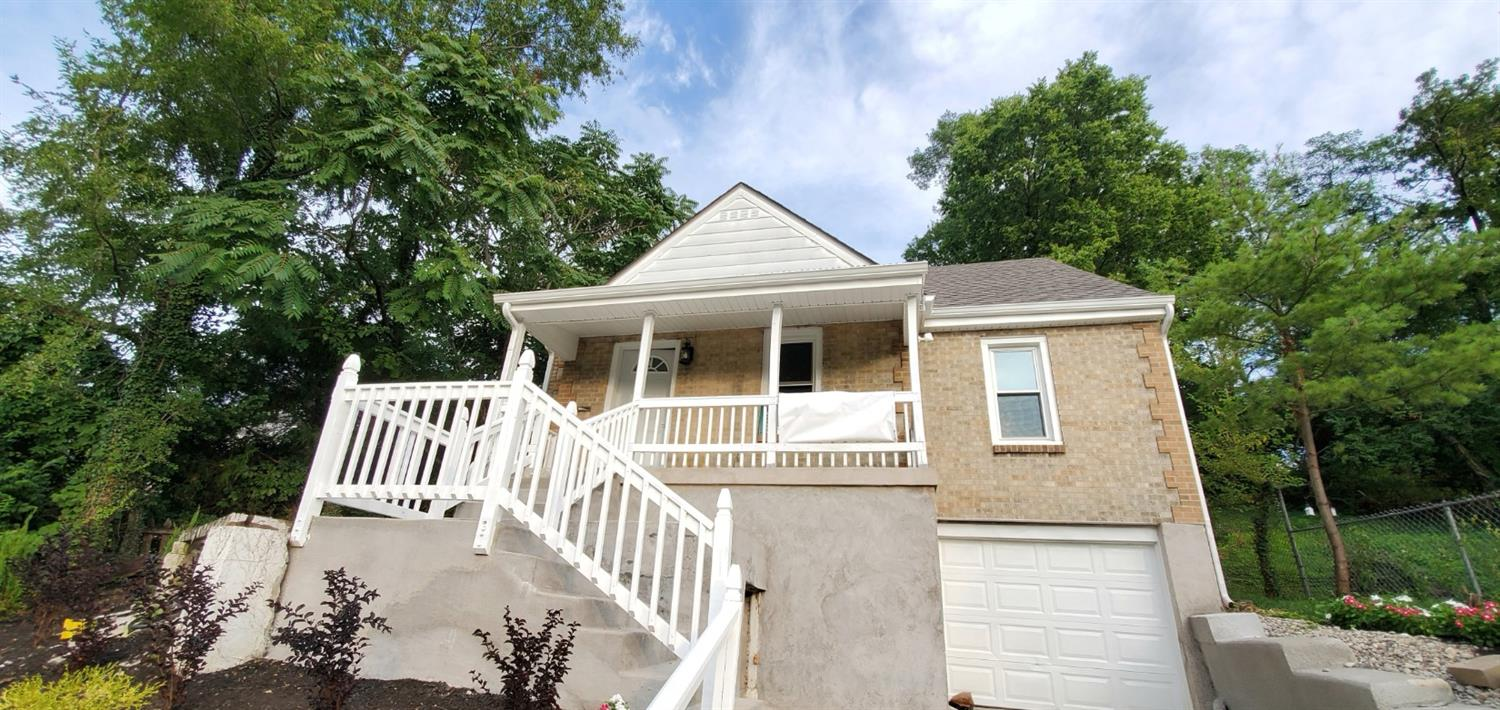 Property for sale at 1530 Hunt Road, Reading,  Ohio 45215