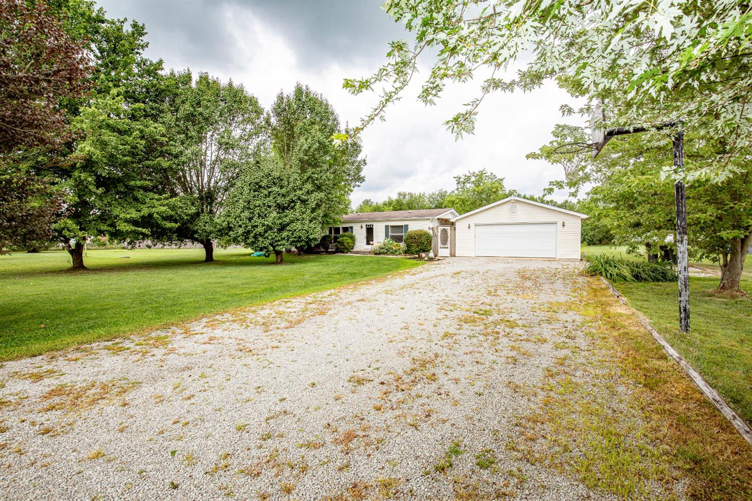 Property for sale at 5937 Wells-Goecke Road, Franklin Twp,  Ohio 45121