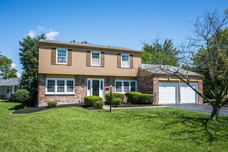 Property for sale at 1670 Clayburn Circle, Springfield Twp.,  Ohio 45240