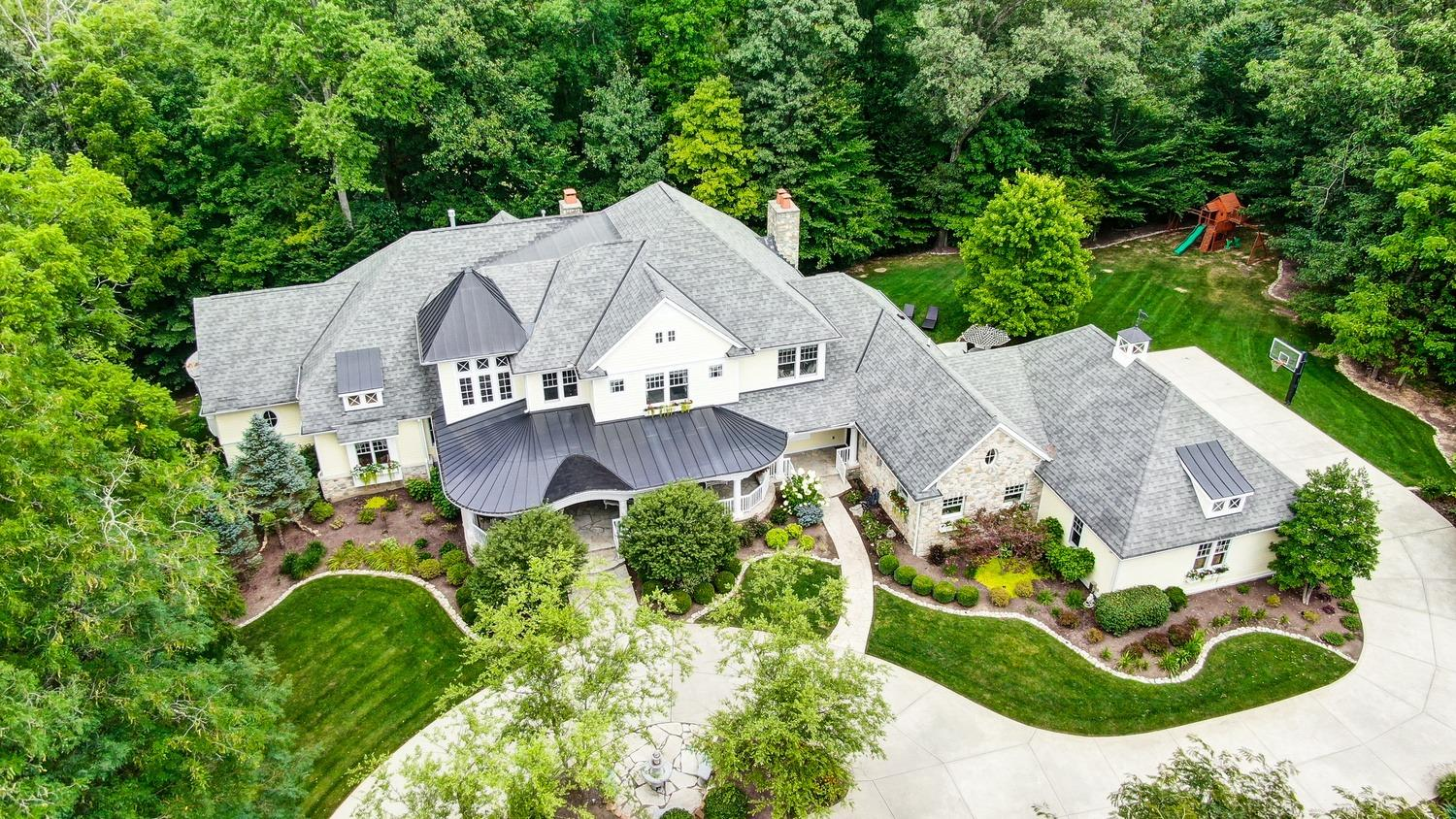Property for sale at 14 Creekside Drive, Indian Hill,  Ohio 45242