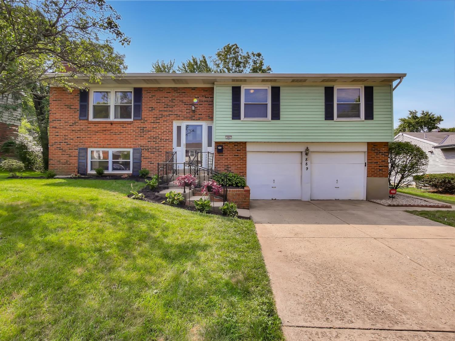 Property for sale at 889 Yorkhaven Road, Springdale,  Ohio 45240