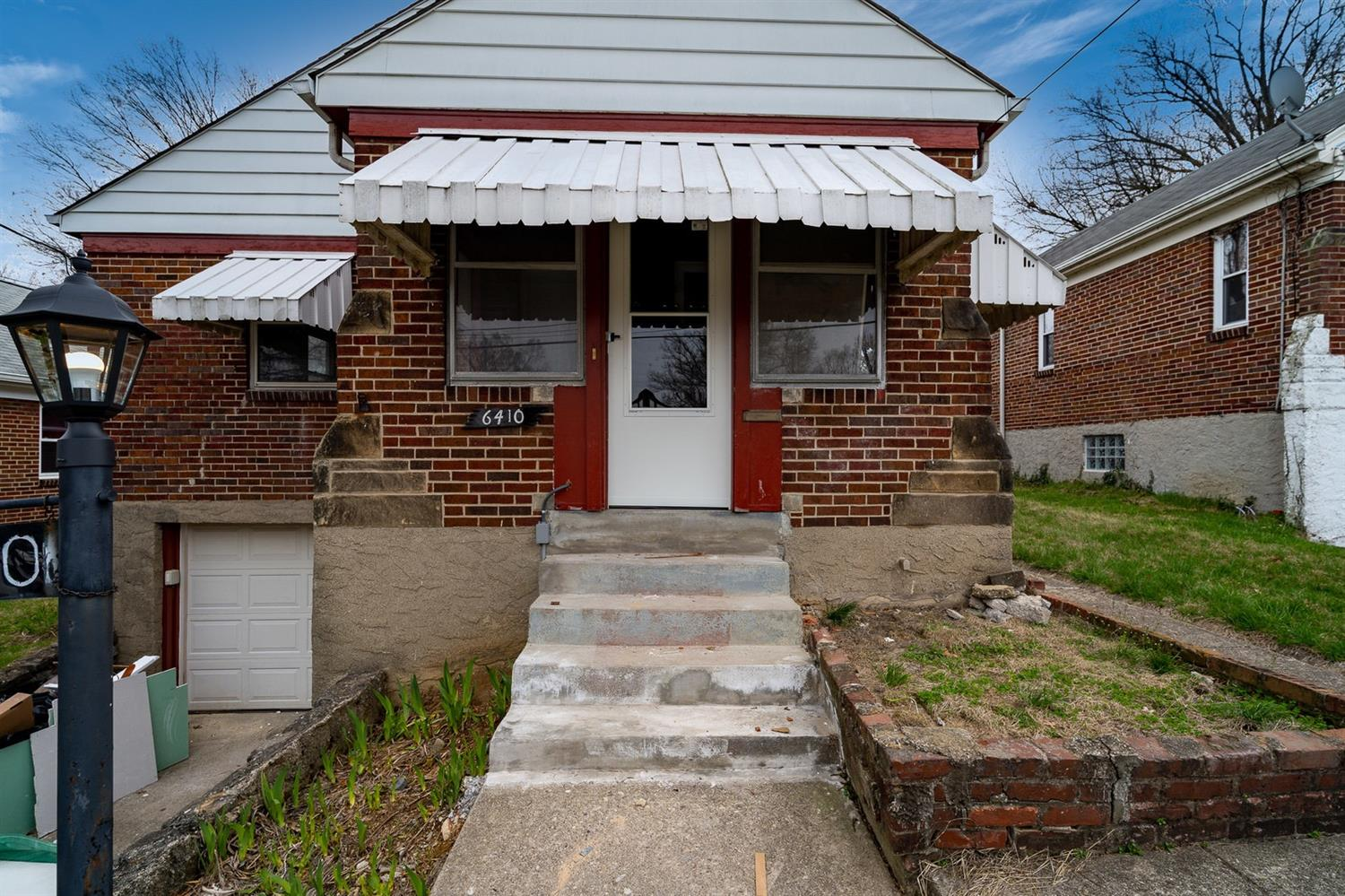 Property for sale at 6410 Stover Avenue, Golf Manor,  Ohio 45237