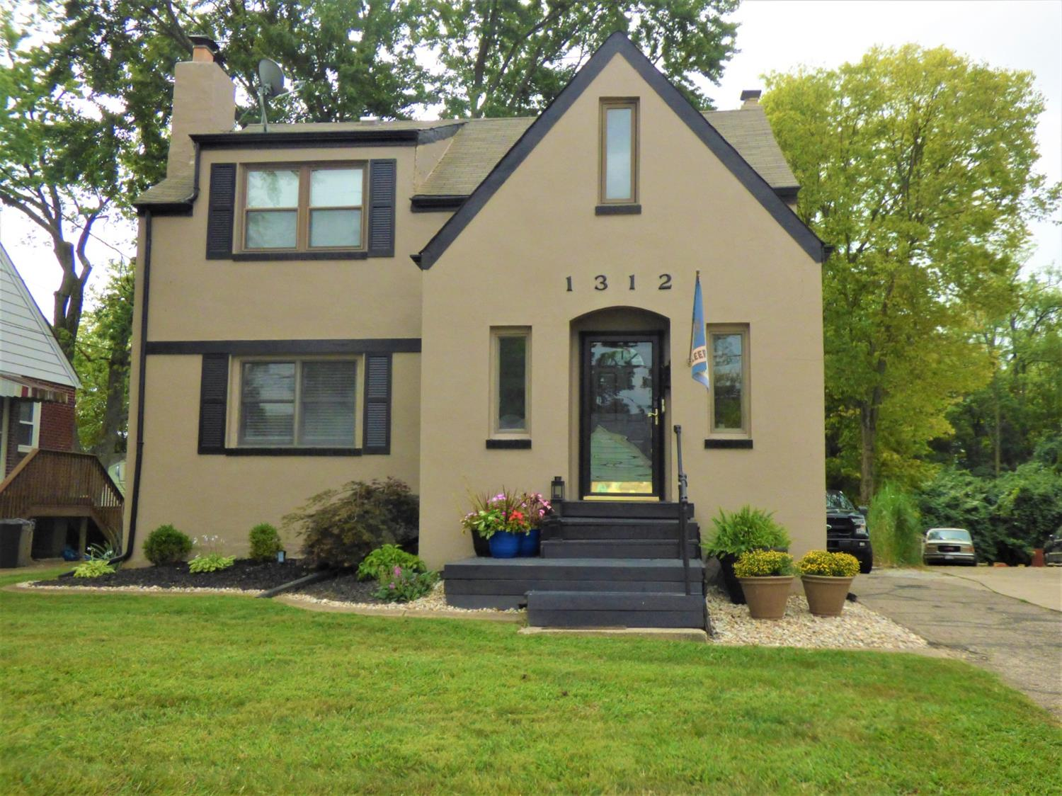 Property for sale at 1312 Observatory Avenue, Reading,  Ohio 45215