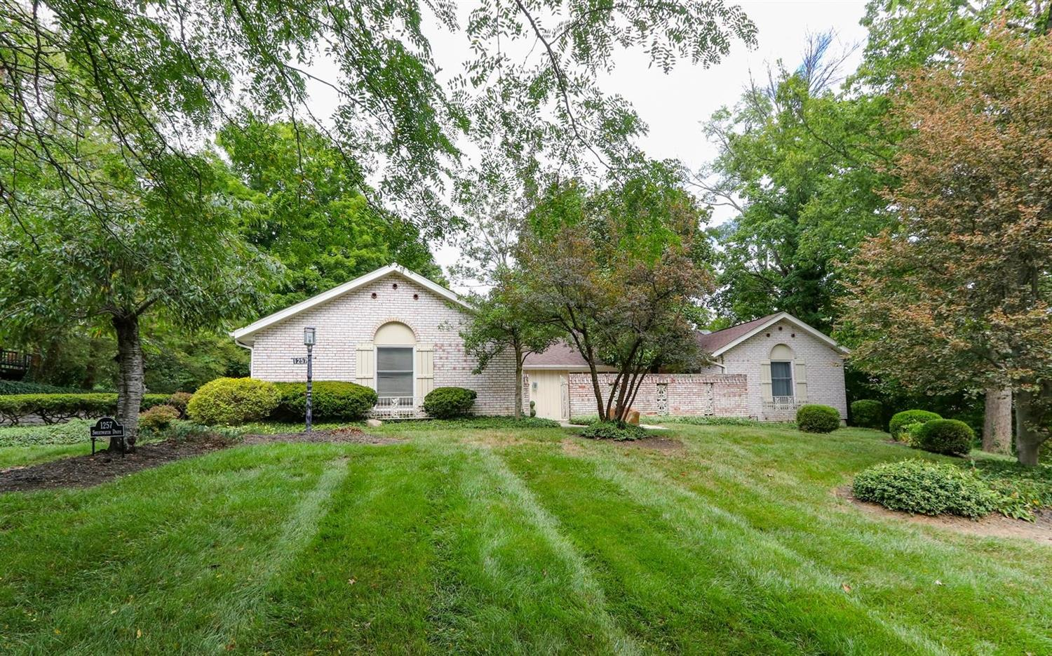 Property for sale at 1257 Sweetwater Drive, Wyoming,  Ohio 45215