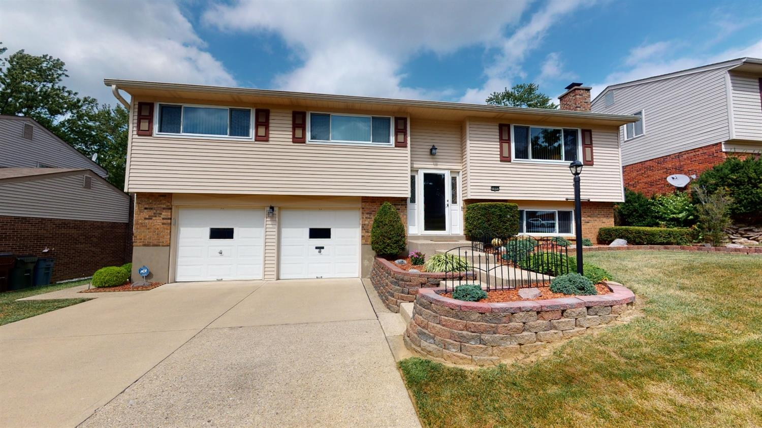 Property for sale at 1882 Fallbrook Lane, Springfield Twp.,  Ohio 45240
