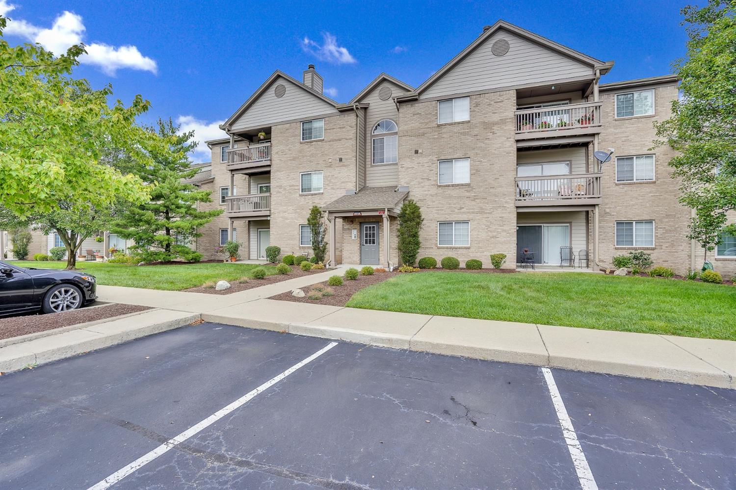 Property for sale at 8514 Breezewood Court Unit: 309, West Chester,  Ohio 45069