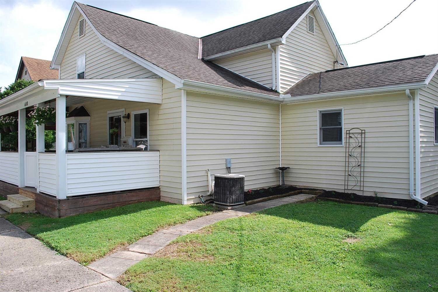 Property for sale at 408 S Wright Street, Blanchester,  Ohio 45107