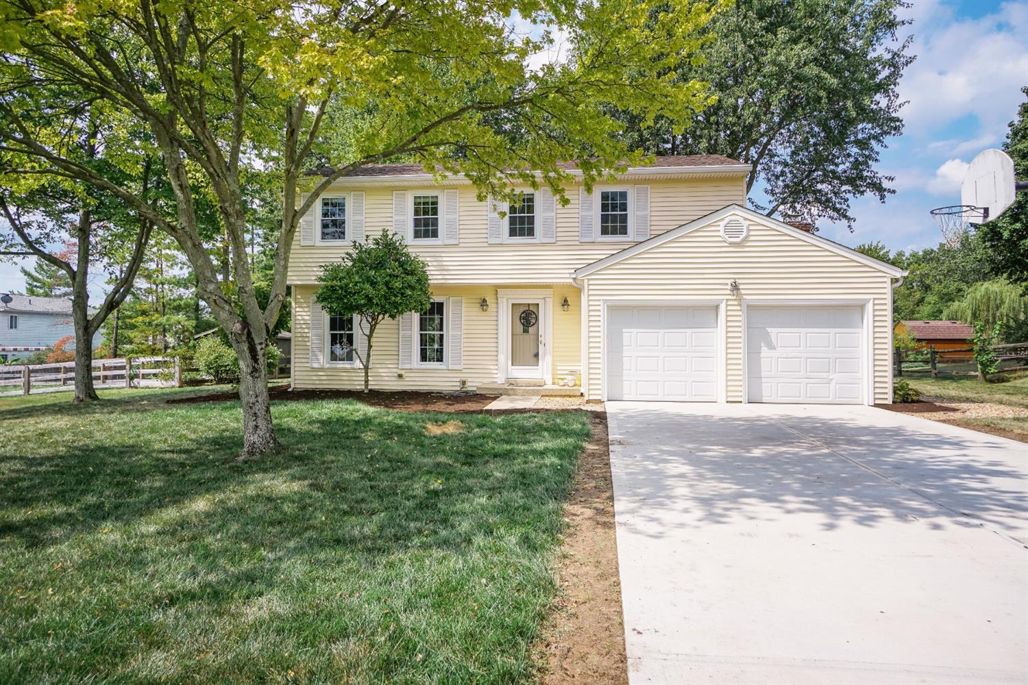 Property for sale at 7577 Cinnamon Woods Drive, West Chester,  Ohio 45069