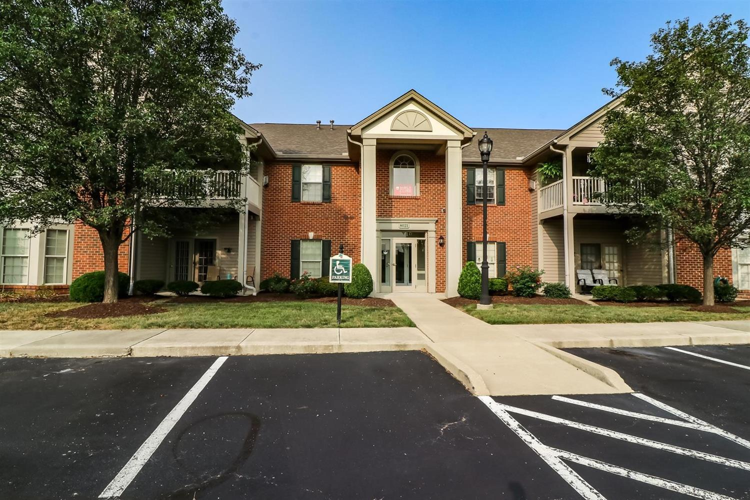 Property for sale at 8021 Pinnacle Point Drive Unit: 202, West Chester,  Ohio 45069