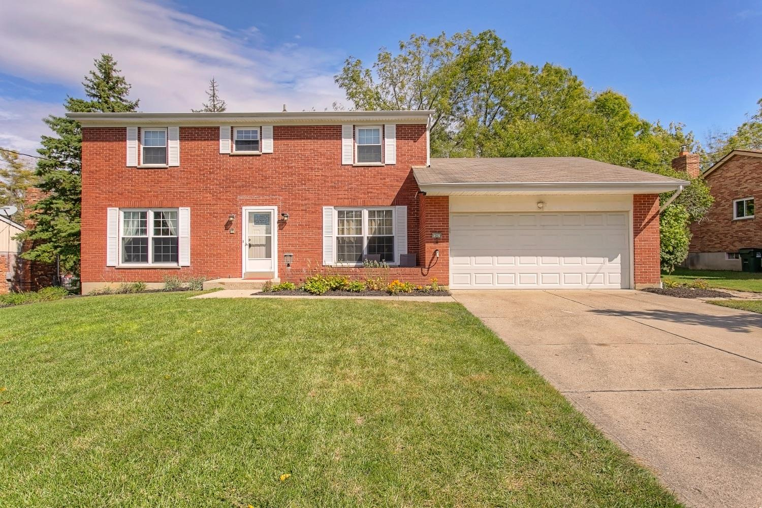 Property for sale at 12078 Cedarcreek Drive, Springfield Twp.,  Ohio 45240