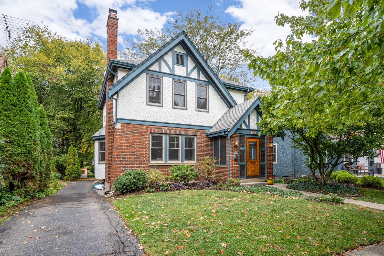 Property for sale at 3821 Indianview Avenue, Mariemont,  Ohio 45227
