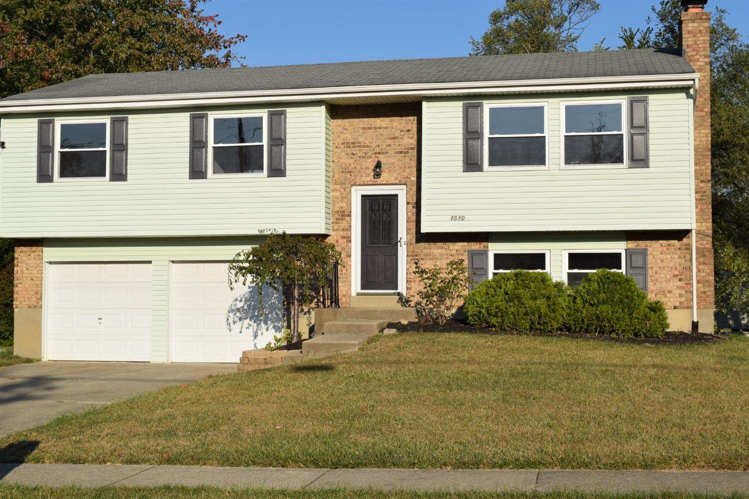 Property for sale at 1510 Hazelgrove Drive, Springfield Twp.,  Ohio 45240