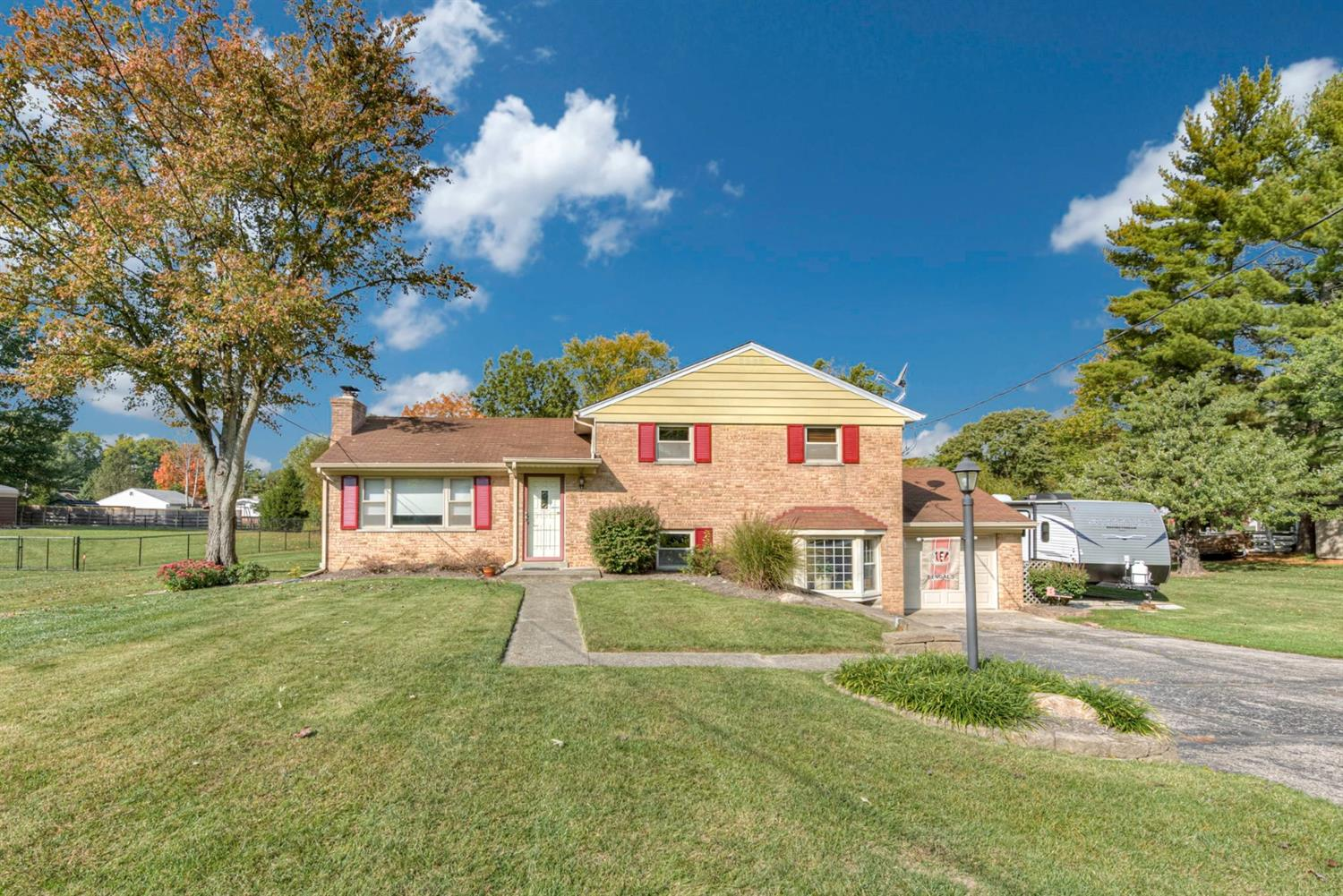 Property for sale at 207 Lakeview Drive, Mason,  Ohio 45040