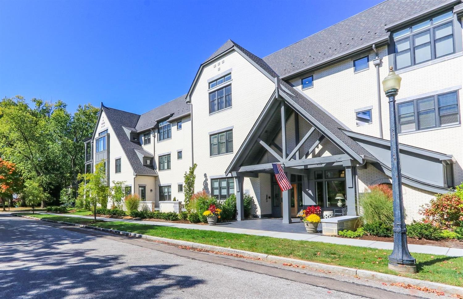 Property for sale at 3818 Miami Road Unit: 206, Mariemont,  Ohio 45227