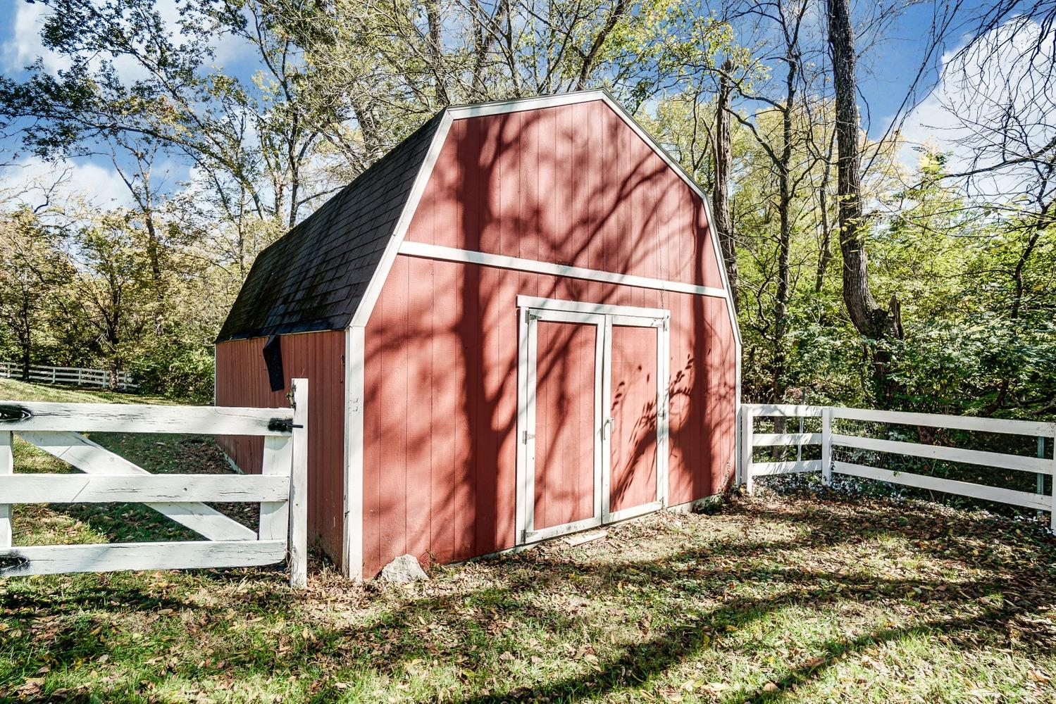 Property for sale at 9080 Hoffman Farm Lane, Indian Hill,  Ohio 45242