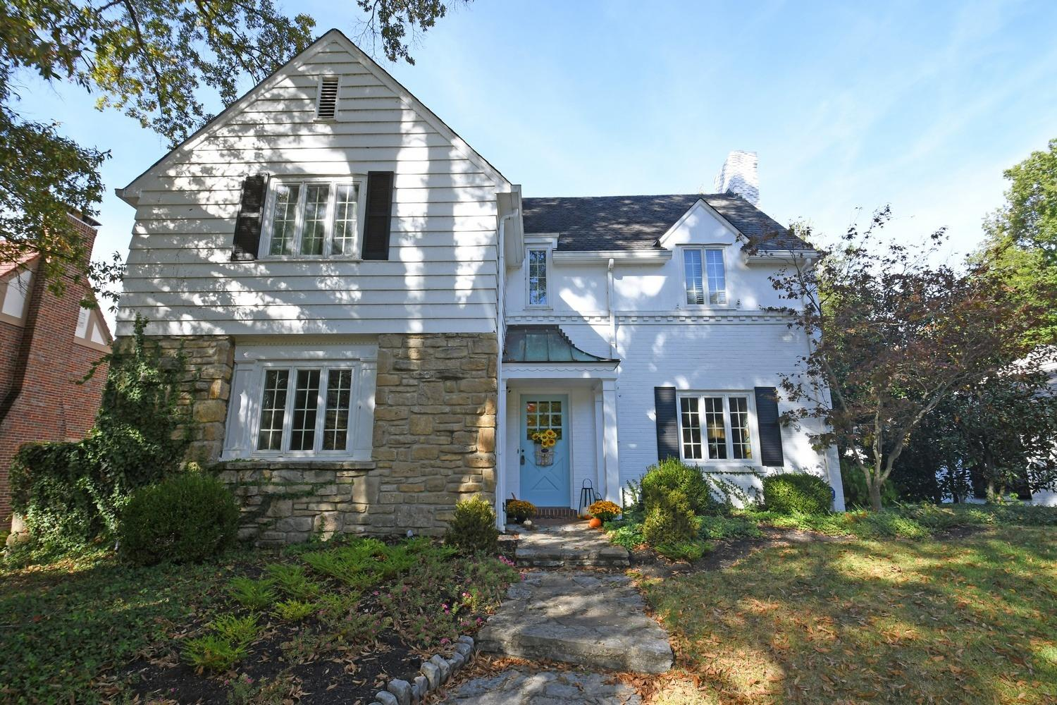 Property for sale at 6820 Hammerstone Way, Mariemont,  Ohio 45227