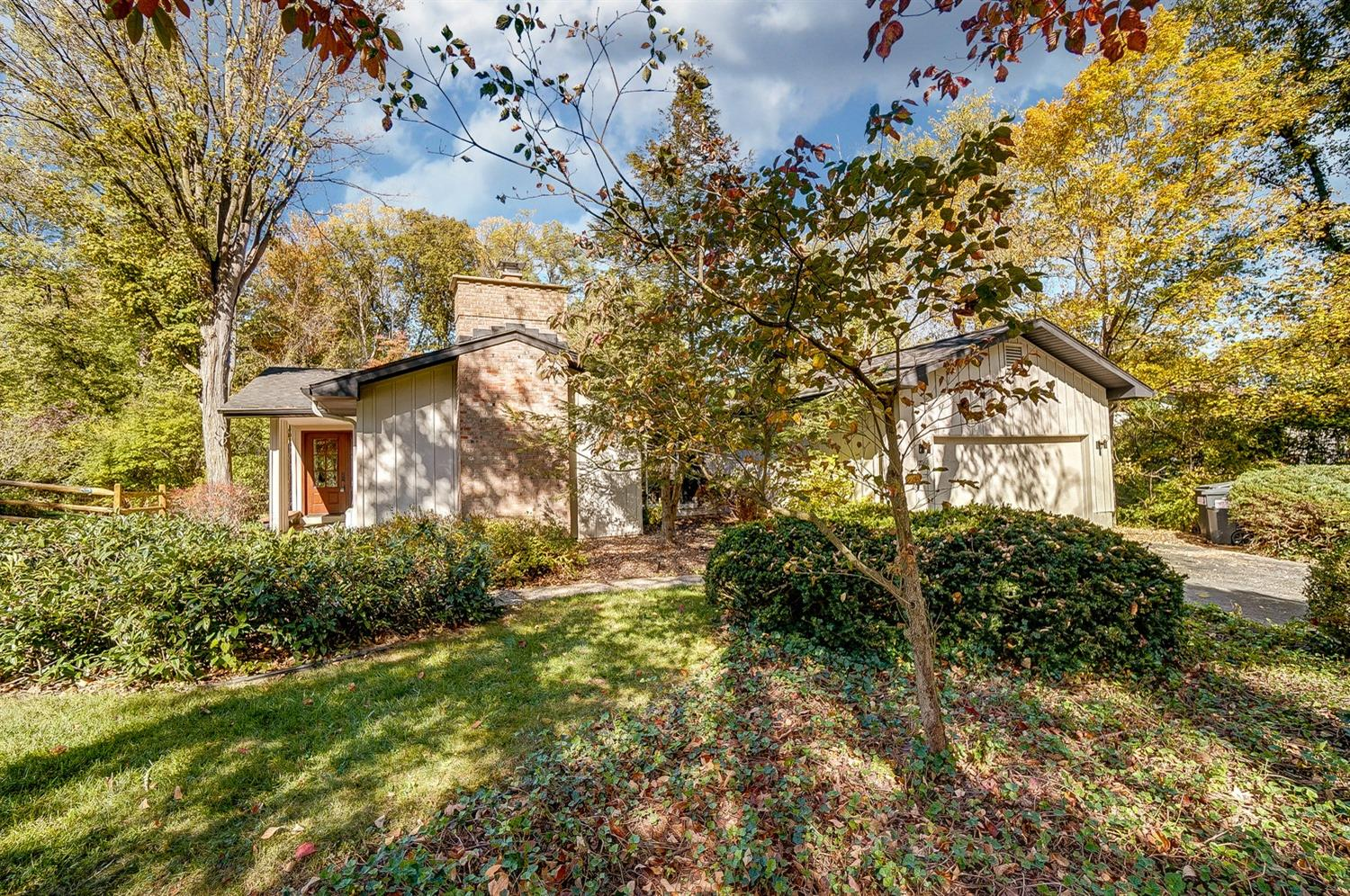 Property for sale at 1706 Tanglewood Drive, Loveland,  Ohio 45140