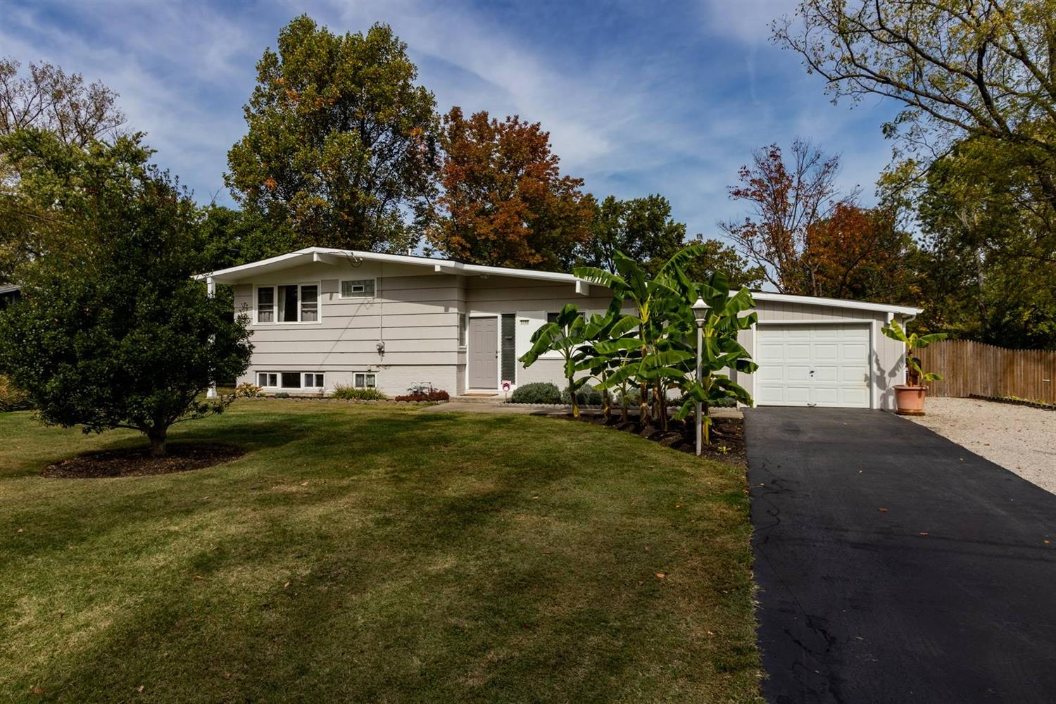 Property for sale at 9100 Long Lane, Springfield Twp.,  Ohio 45231