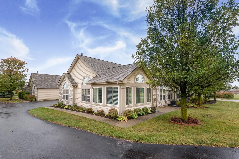 Property for sale at 204 Villa Pointe Drive, Springboro,  Ohio 45066