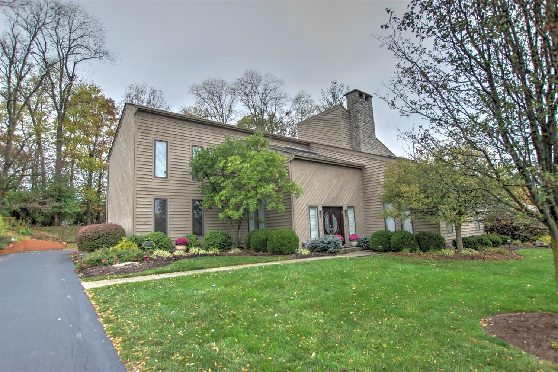 Property for sale at 19 Trailbridge Drive, Blue Ash,  Ohio 45241