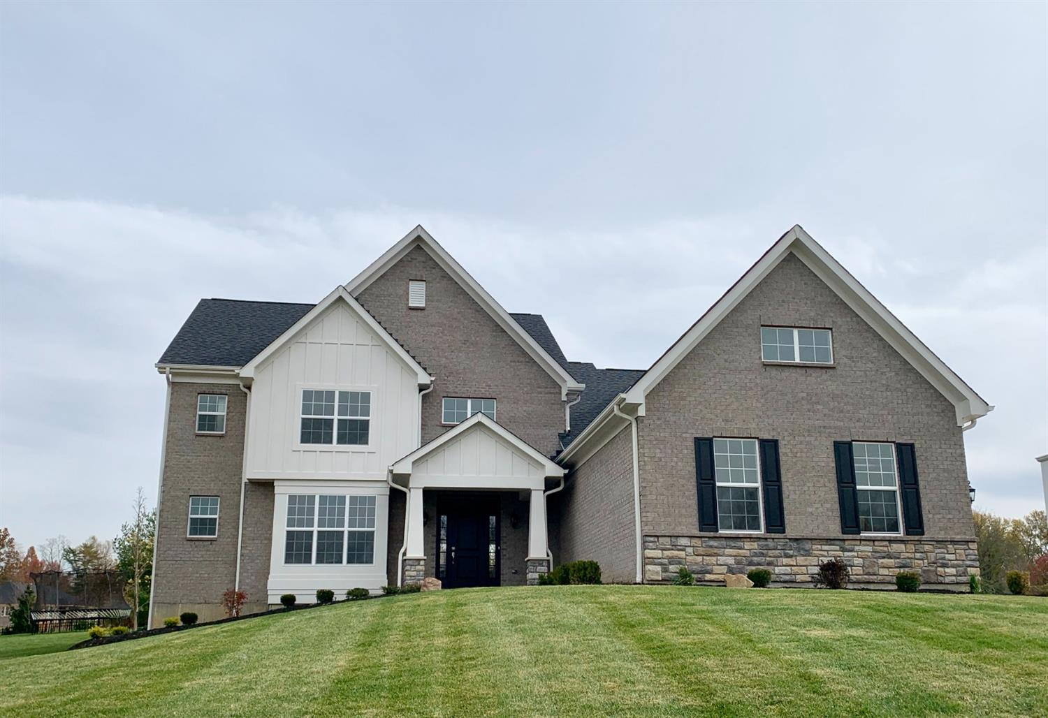 Property for sale at 1258 Ridgewood Drive Unit: 607, Miami Twp,  Ohio