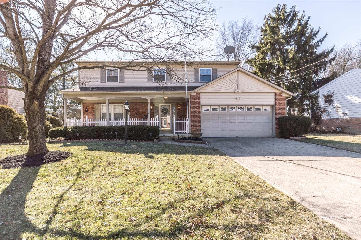 Property for sale at 1867 Lindenhall Drive, Loveland,  Ohio 45140