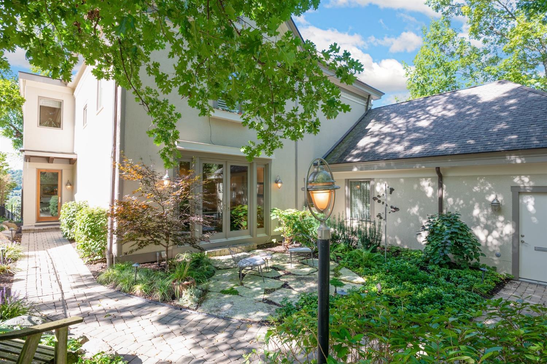 Property for sale at 3312 Columbia Parkway, Cincinnati,  Ohio 45226