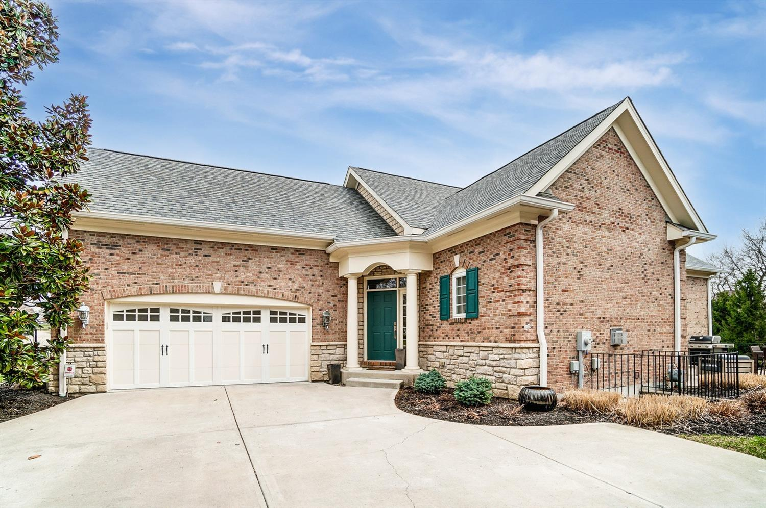 7254 Harbour Town Drive , West Chester, OH 45069