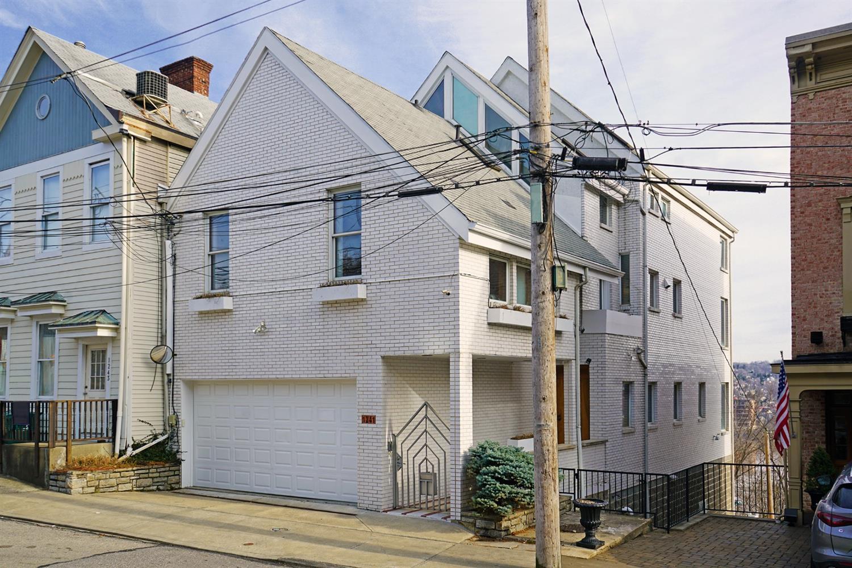 1241 Martin Drive, Cincinnati, Ohio 45202, 4 Bedrooms Bedrooms, 9 Rooms Rooms,4 BathroomsBathrooms,Single Family Residence,For Sale,Martin,1694753