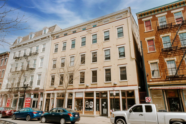1306 Main Street, Cincinnati, Ohio 45202, 1 Bedroom Bedrooms, 3 Rooms Rooms,1 BathroomBathrooms,Condominium,For Sale,Main,1695332