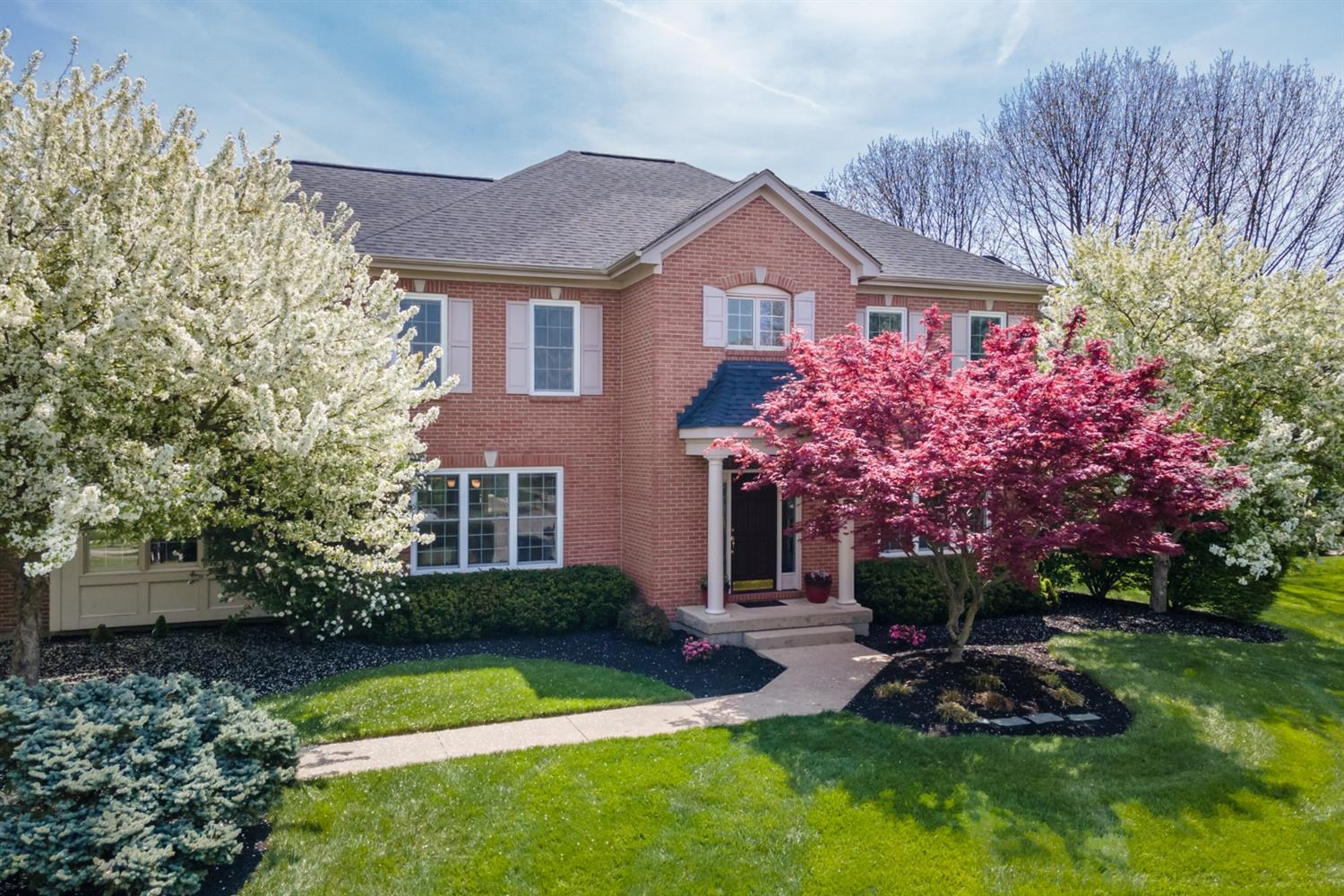 8581 Chaucer Place, Montgomery, Ohio 45249, 4 Bedrooms Bedrooms, 15 Rooms Rooms,3 BathroomsBathrooms,Single Family Residence,For Sale,Chaucer,1697190