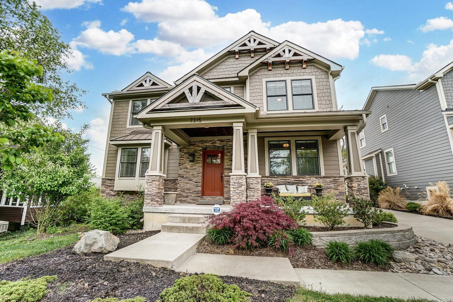 Better than new - 2016 Hoffmaster Build w/thoughtful details & quality craftsmanship throughout! Just blocks away from D/T Madeira, this home has it all! G/R w/coffered ceiling & floor2ceiling stone stacked fireplace. Gourmet kitchen w/eat-in area, ctr bar, granite ctrtops & all appl 2016. Pella Windows Fully finished LL w/full bath & Rec room. Fenced in yard w/covered patio. Phantom Sound system w/hidden speakers & sub-woofer, HVAC system w/humidifier & UV filter; smart design+quality finishes