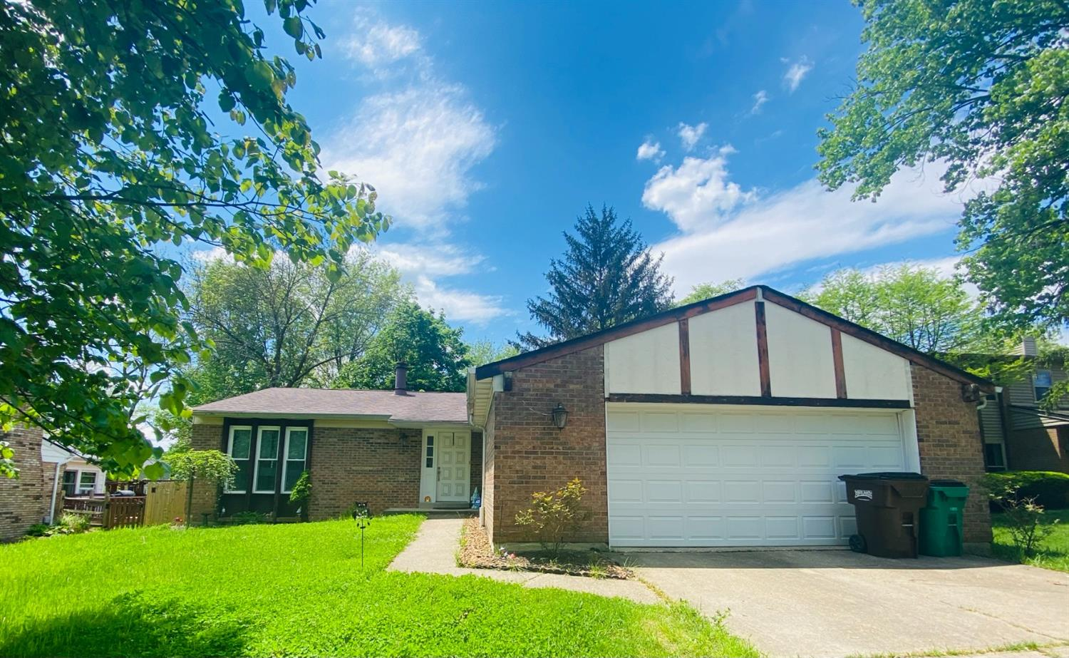 155 Albright Drive, Loveland, Ohio 45140, 3 Bedrooms Bedrooms, 7 Rooms Rooms,2 BathroomsBathrooms,Single Family Residence,For Sale,Albright,1699223