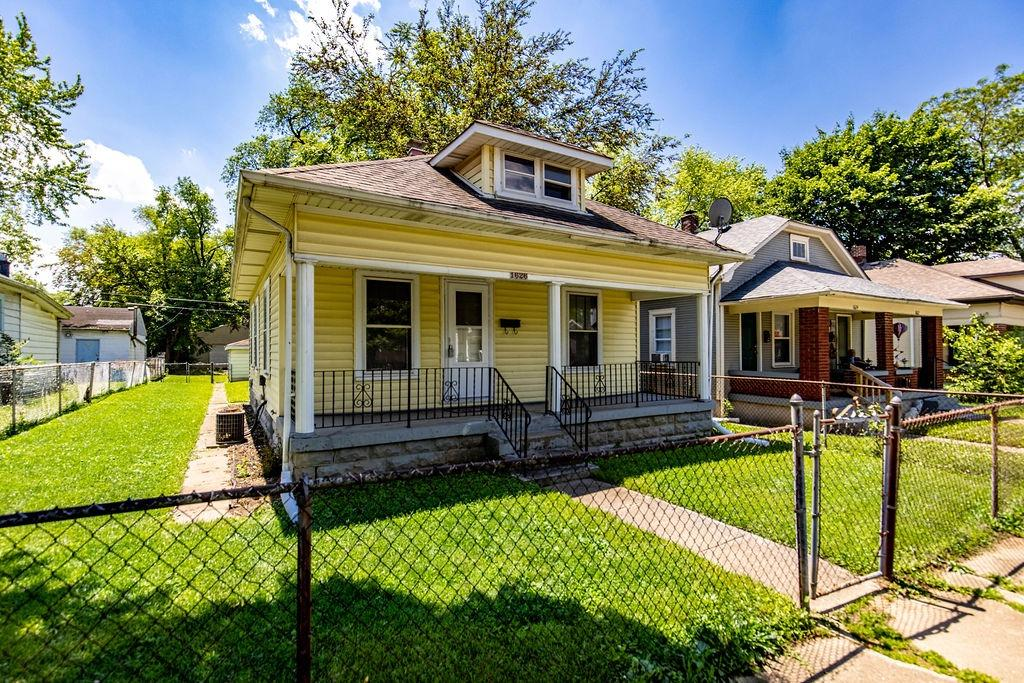 1626 Taylor Avenue, Middletown, Ohio 45044, 2 Bedrooms Bedrooms, 5 Rooms Rooms,1 BathroomBathrooms,Single Family Residence,For Sale,Taylor,1693228