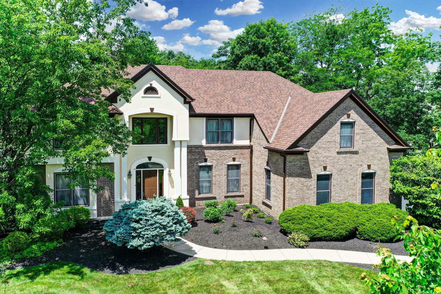 Simply stunning.  This 5 bedroom Zaring home is full of newer mechanicals and LOTS of room to spread out.